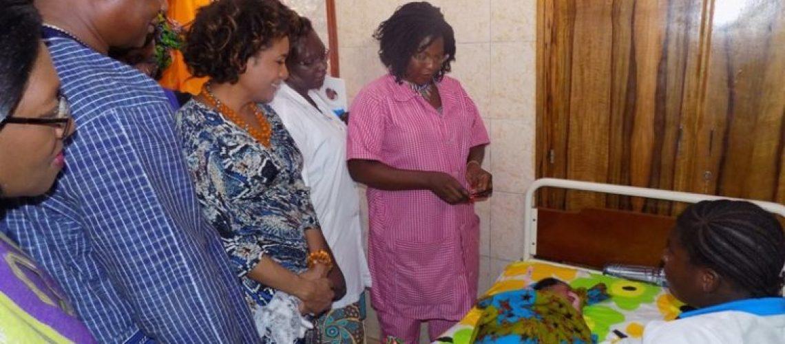 Visite-de-la-SG-de-lOIF-à-la-maternité-pilote-de-iCivil-3-768x576
